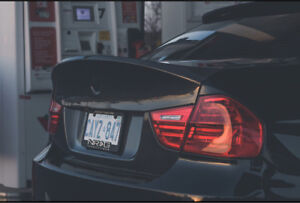 Carbon fiber BMW e90 seibon csl trunk