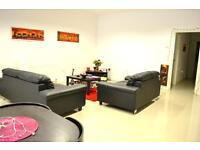 3 bedroom flat in Whitechapel Road, Brick Lane, Aldgate East