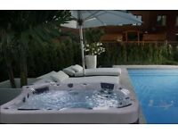 Range of discounted HOT TUBS brand new, returned, ex-display. Wellis, Jacuzzi, Myline, Superior Spas