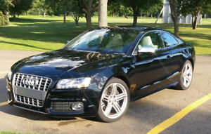 Beautiful Audi S5, V8, AWD, Mint!