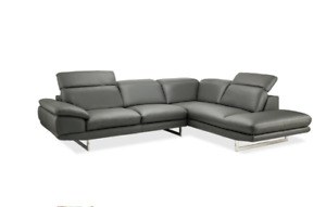 Brand new leather Contemporary Sectional w/adjustable headrests