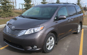 2012 Toyota Sienna XLE LIMITED w/NEW WINTER TIRES & RIMS