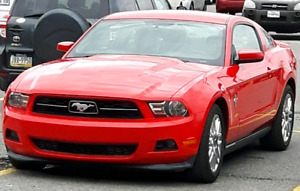 2012 MUSTANG  .. V6  .. BLUETOOTH  .. LEATHER SEATS  ..