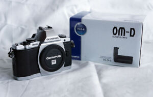 Olympus OMD E-M5 Body - Accessory Grip and Battery Holder