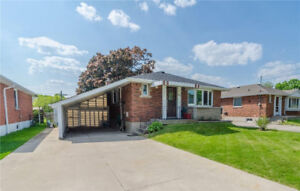 House for Sale! (40 Castlefield Drive, Hamilton, Ontario)