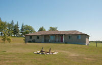 SOUTH OF KILSYTH - HOME ON COUNTRY LOT