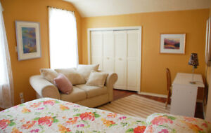 large, clean, quiet room for rent: Kincardine