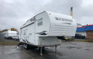 2008 ROCKWOOD 5th wheel 8285ss very clean only $9,500
