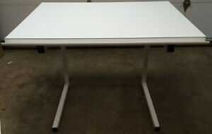 Drafting/Artist's Desk With Adjustable Sloping Top