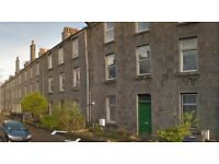 Stunning furnished flat available 1st April. Close to the beach in Central Location of Aberdeen.