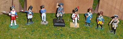 8 Zinnfiguren verschiedene Uniformen 6,5 cm Soldaten & Offiziere Vollplastisch ()