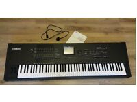 Yamaha Motif XF8 Synthisizer Keyboard - 88 Heavy Weighted Keys + Hard Padded Case
