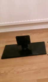 TV Stand For Tv's 20 to 32 inch