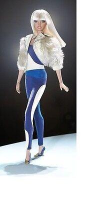 Barbie NRFB 2004 Model Muse VERSACE VERSUS Doll GOLD LABEL!