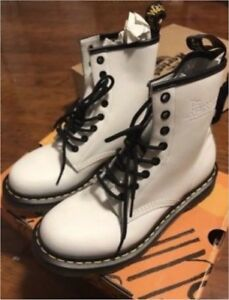 Dr. Marten size 8US 6UK White boots new in box