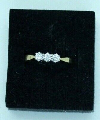 Vintage 9ct yellow gold .33 Diamond trilogy engagement ring. Size M.