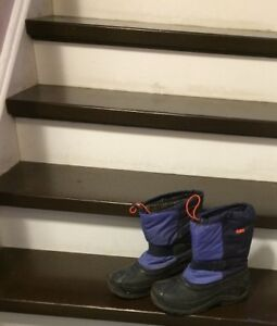 winter boots size 4 and 5 youth