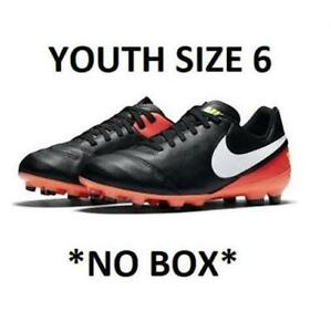 6641472d92e YOUTH NIKE SOCCER CLEAT