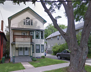 Renovated 4 Bedroom Apartment Close to Dalhousie and Kings