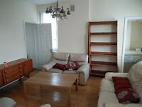 Generously sized 3 bedroom flat in Kilburn High Road