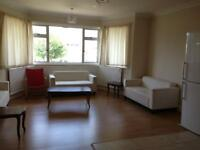 3 bedroom flat in Chatsworth Road, Cricklewood/Kilburn, NW2