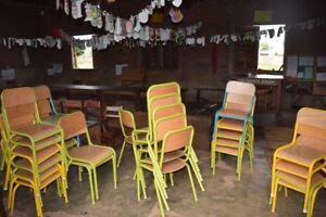 Chaises , Tables , Bureaux , fauteuils et étagères