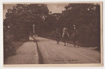 Warren Road New Malden, Surrey Postcard B746