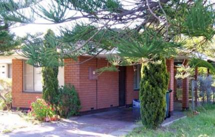 Roomshare for $150, near Curtin & Murdoch Uni, shops infront Riverton Canning Area Preview