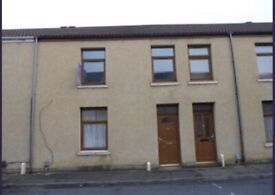 Large 3 bed house to rent 2 bathrooms with rear shed