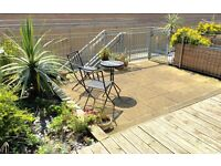 2 double bedroom flat with private parking and large terrace