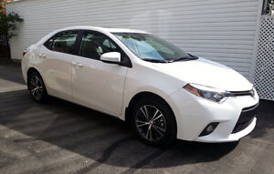 2016 Toyota Corolla LE - fully loaded - with extended warranty