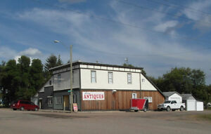 Earn $$ from 6+ Bdrm Home w/ 2500ft2 Retail on Hwy 16