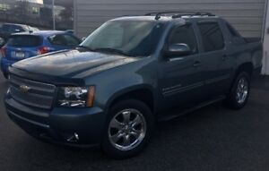 2011 Chevrolet Avalanche Pickup Truck LOW KM