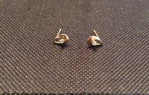 10 kt gold earring studs with diamonds