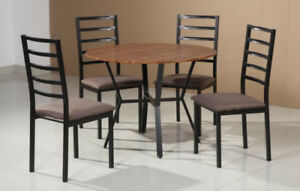 WAREHOUSE CLEARANCE DINETTE SET ON SALE