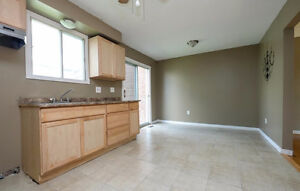 **Reduced** Semi-detached in Forest Glade Move in Ready! Windsor Region Ontario image 8
