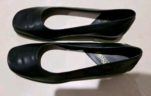 NEW IN BOX EASY STEPS KIMMY SIZE 10.5 C BLACK WORK SHOES