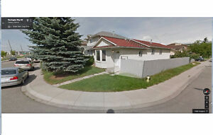 HOUSE FOR RENT CALGARY NE - UPPER PORTION