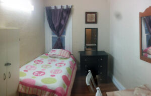 $425 Female Student Room*Only Girls House*Welland