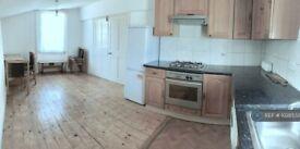 4 bedroom flat in Stamford Grove West, London, N16 (4 bed) (#1028532)