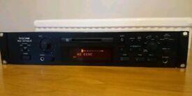 Tascam MD-301MKII professional mini disc player