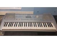 Yamaha PSR-292 Electric Keyboard/Piano