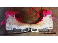 SFR ECLIPS SIZE 2 GIRLS ICE SKATES + CARRYING BAG