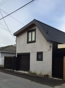 Brand New Modern E54th and Tyne Laneway House (2 bed and 2 bath)