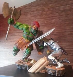 Sideshow Planet Hulk Green Scar vs Silver Savage EX Diorama