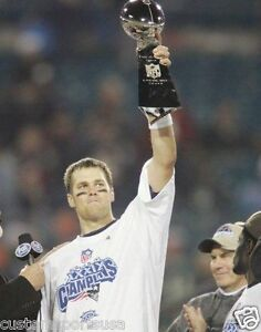 TOM BRADY Super Bowl New England Patriots Unsigned 8 x 10 Photo