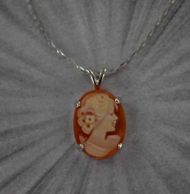 VINTAGE ANTIQUE CAMEO PENDANT  NECKLACE  HAND CARVED SHELL STERLING SILVER