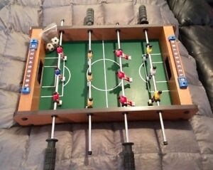 Table top soccer foosball