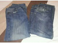 2 pairs of jeans 32/30