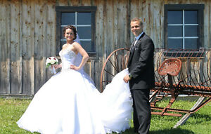 Mint condition wedding dress paid 2900$ asking 1300$